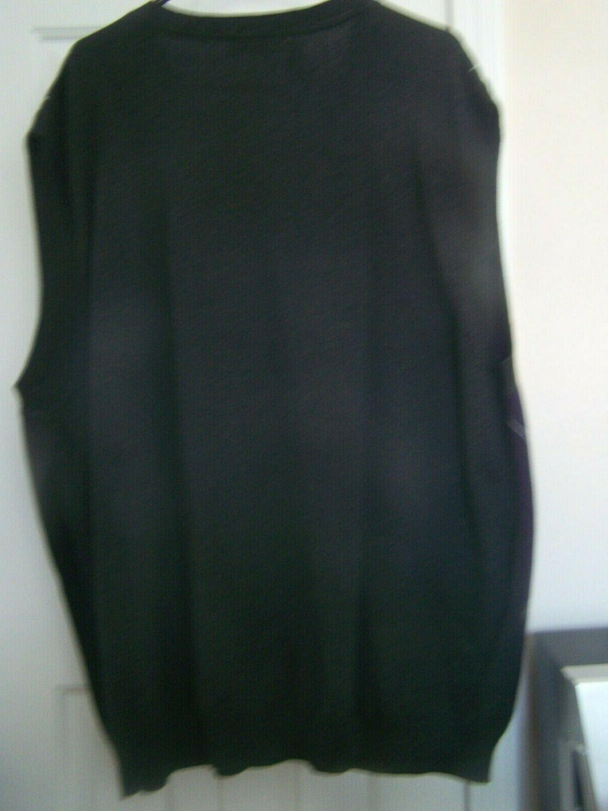 MEN'S V-NECK SWEATER VEST -NWT